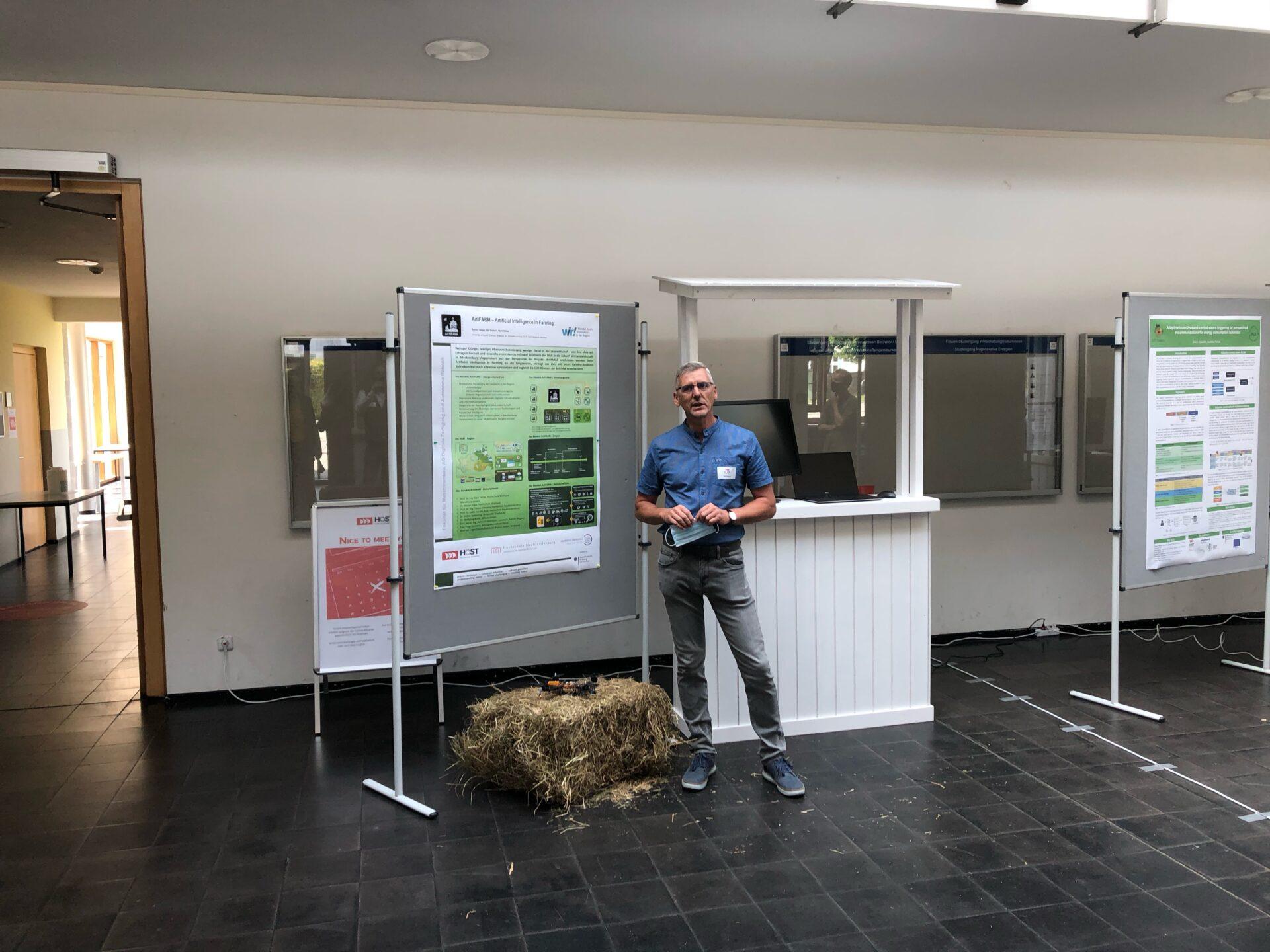 Präsentation bei AI-Symposium
