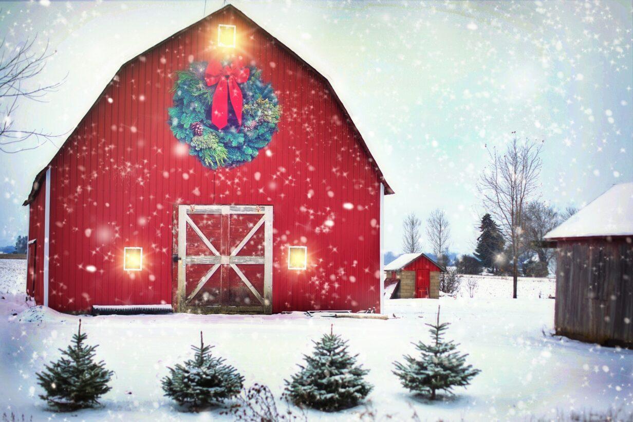 Bauernhof zur Weihnachtszeit